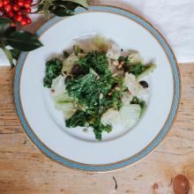 Nutty Winter Greens mit Teriyaki Kernen