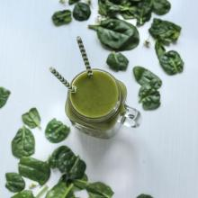 Smoothie aux herbes sauvages