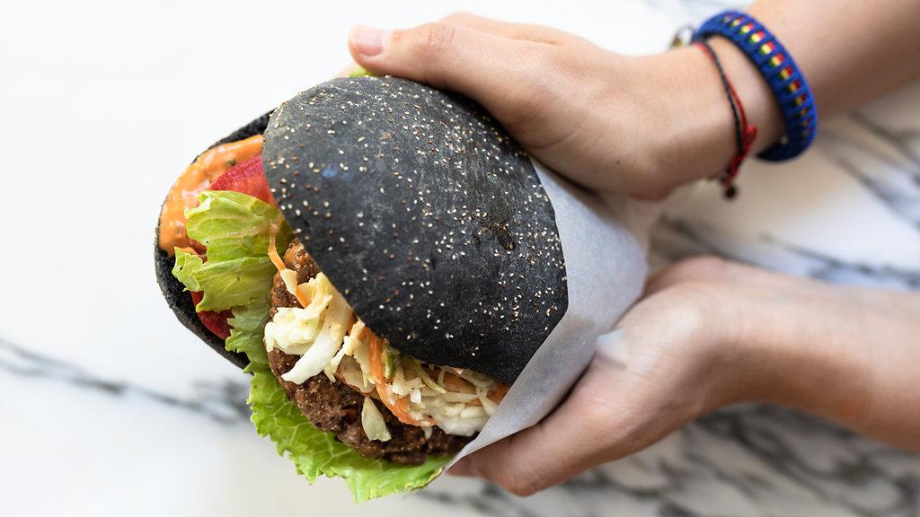 Bildergebnis für black burger tibits